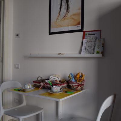 angolo breakfast camera gialla matrimoniale